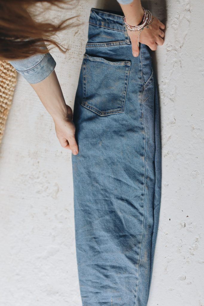 how to fold jeans_save space_3_revelle