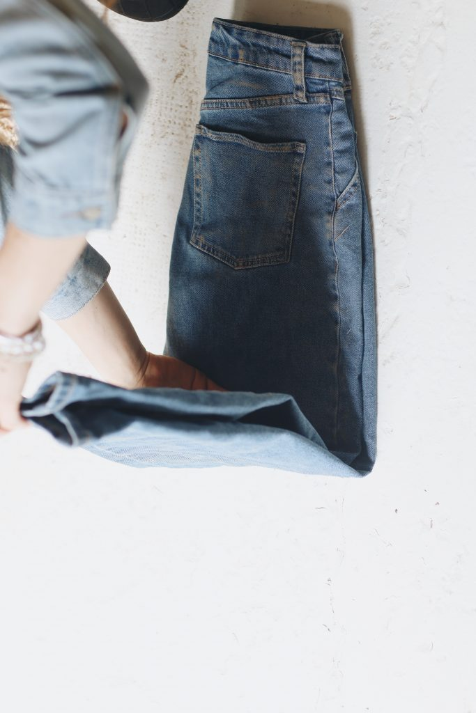 how to fold jeans_save space_4_revelle