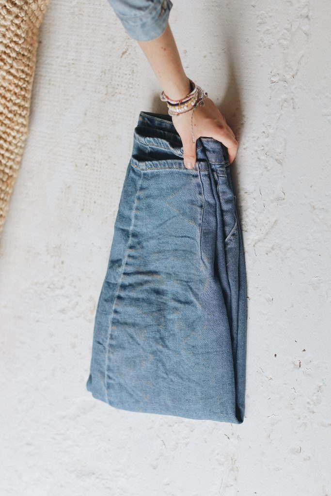 how to fold jeans_save space_5_revelle