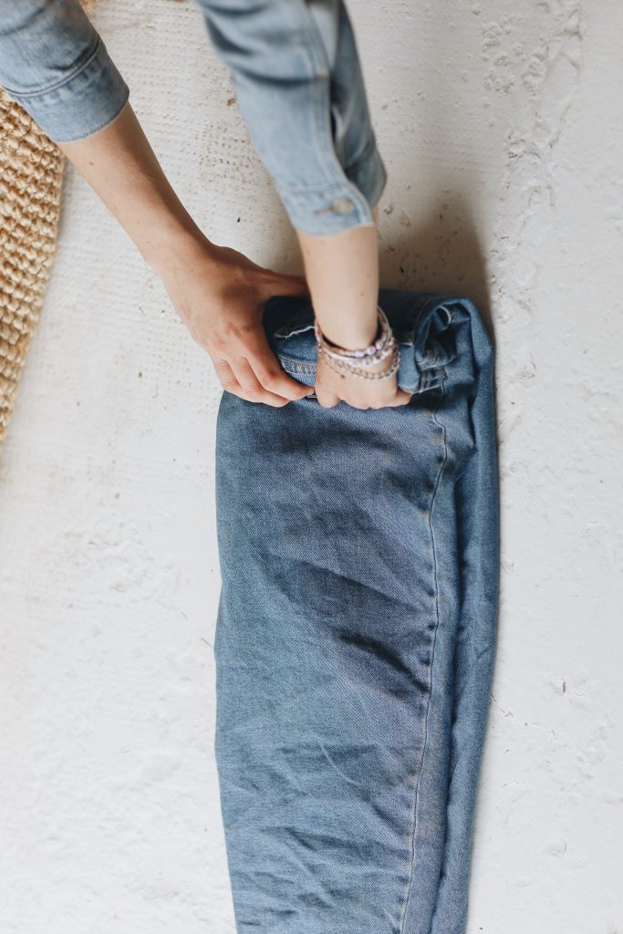 how to fold jeans_travel_3_revelle