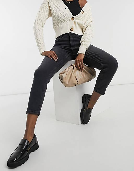 Vero Moda Joana High-Rise Mom Jeans In Black_best black jeans for women_revelle