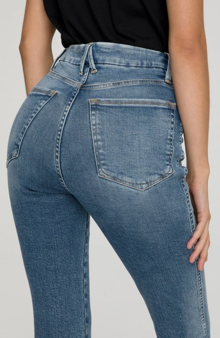 Good American Good Curve Button Fly Ankle Skinny Jeans_best jeans for big butts_revelle