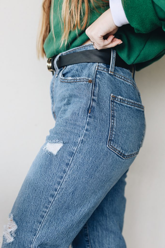 how to style mom jeans_revelle